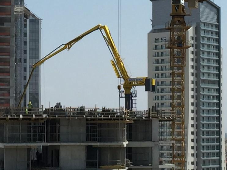 hydraulic concrete distributors with climbing mast 6